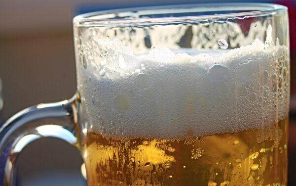 Quale ingrediente rende la birra chiara